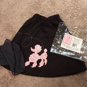 Girls Poodle Skirt / NEW